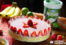 PAY DE FRESAS CON YOGURT